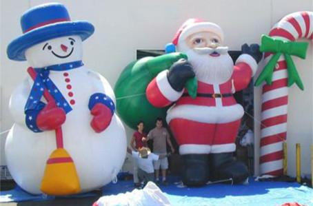 Riesenfiguren-a-5-Meter-hoch-mit-Beleuchtung